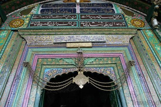 entry-door-shah-hamdan-mosque-srinagar